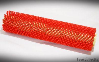 Vervangingsborstel voor de BISAM44 automatische bodemborstel. De rode borstel is harder.