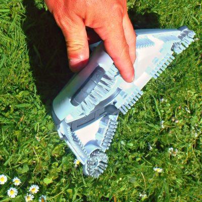 Driehoekig flexibel mondstuk voor professionele vijverstofzuiger zoals de Fango 2000