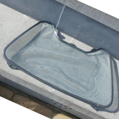 Bladval en oppervlakte net voor zwemvijvers, 2 in 1 model voor handiger werken en sneller onderhoud. Geschikt voor bladval en algen verwijderen.